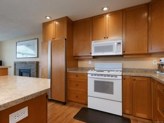 Photo 10: 2521 Emmy Pl in : CS Tanner House for sale (Central Saanich)  : MLS®# 871496