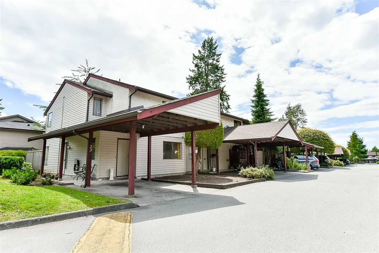 """Main Photo: 23 13990 74 Avenue in Surrey: East Newton Townhouse for sale in """"Wedgewood Estates"""" : MLS®# R2180727"""