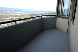 Photo 8: 2401 6540 Burlington Avenue in Burnaby: Metrotown Condo  (Burnaby South)  : MLS®# V1118433