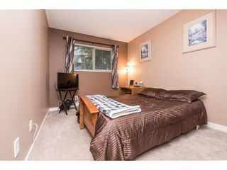 """Photo 14: 10531 HOLLY PARK Lane in Surrey: Guildford Townhouse for sale in """"HOLLY PARK LANE"""" (North Surrey)  : MLS®# R2147163"""