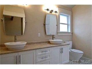 Photo 7: 156 Linden Ave in VICTORIA: Vi Fairfield West Half Duplex for sale (Victoria)  : MLS®# 421045