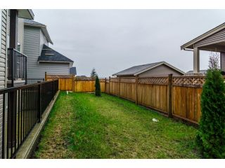 Photo 14: 18383 67 Avenue in Surrey: Cloverdale BC House for sale (Cloverdale)  : MLS®# F1431639