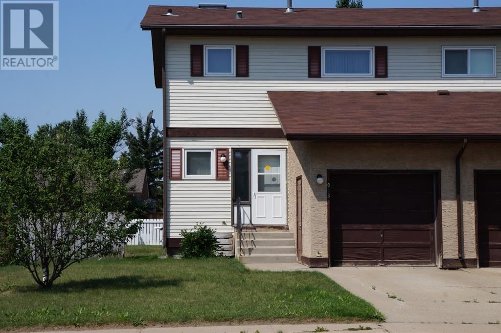 Main Photo: 1013 3 Street W in Hanna: House for sale : MLS®# A1132813