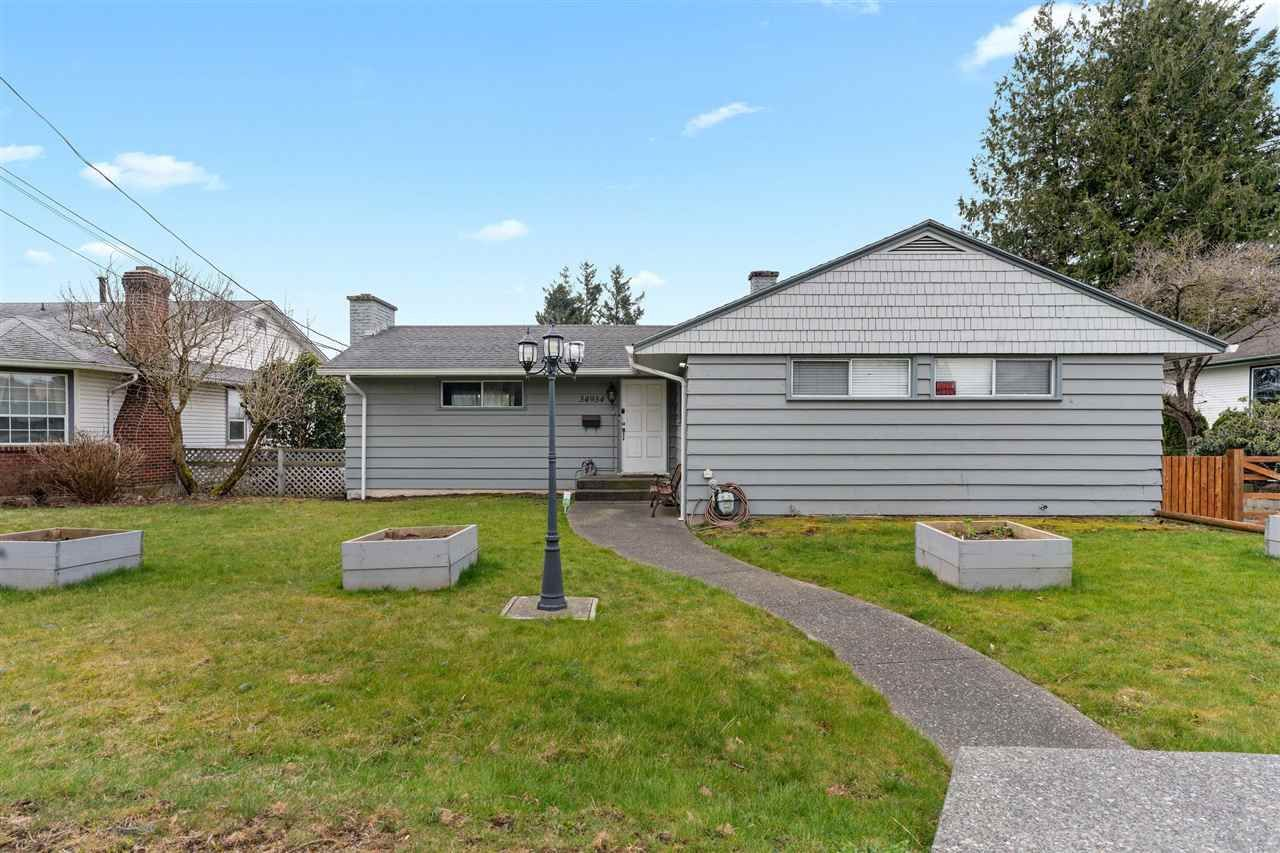 """Main Photo: 34934 MARSHALL Road in Abbotsford: Abbotsford East House for sale in """"McMillan"""" : MLS®# R2551223"""