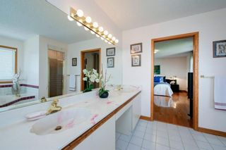 Photo 27: 27 Strathlorne Bay SW in Calgary: Strathcona Park Detached for sale : MLS®# A1120430
