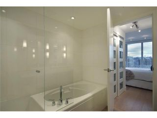 """Photo 15: 1203 918 COOPERAGE Way in Vancouver: Yaletown Condo for sale in """"THE MARINER"""" (Vancouver West)  : MLS®# V1048985"""