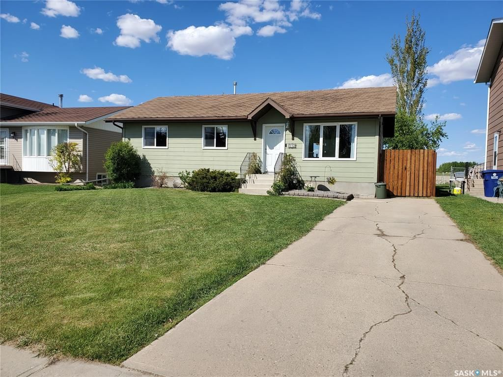Main Photo: 317 7th Avenue West in Unity: Residential for sale : MLS®# SK856897