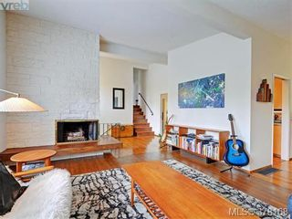 Photo 4: 3552 Kelsey Pl in VICTORIA: OB Henderson House for sale (Oak Bay)  : MLS®# 759345