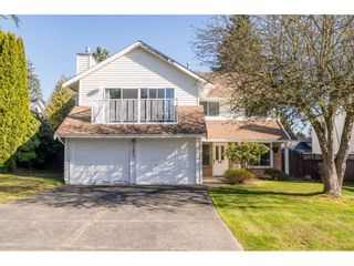 Main Photo: 15863 98 Avenue in Surrey: Guildford House for sale (North Surrey)  : MLS®# R2562214