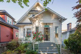 Photo 2: 4452 QUEBEC Street in Vancouver: Main House for sale (Vancouver East)  : MLS®# R2589936