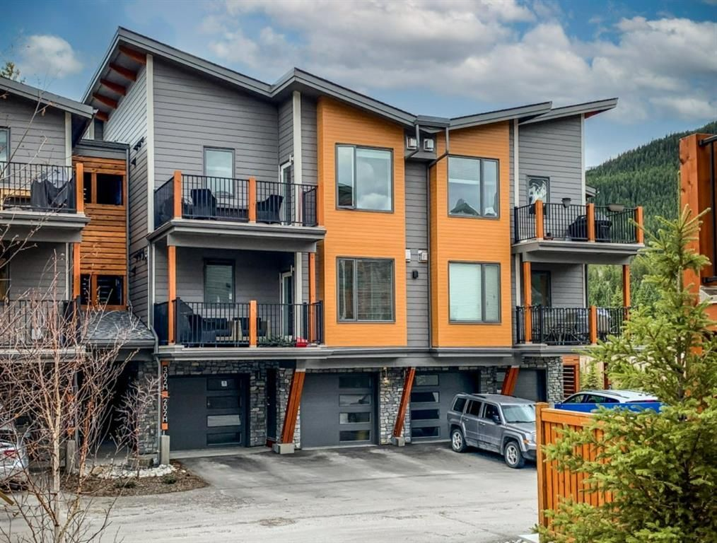 Main Photo: 302H 1101 Three Sisters Parkway: Canmore Apartment for sale : MLS®# A1105466