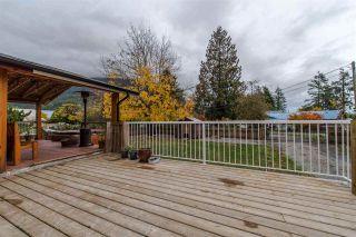 "Photo 3: 36072 SHORE Road in Mission: Dewdney Deroche House for sale in ""Hatzic Lake"" : MLS®# R2321298"