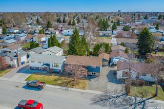 Photo 3: 167 Nesbitt Crescent in Saskatoon: Dundonald Residential for sale : MLS®# SK852593