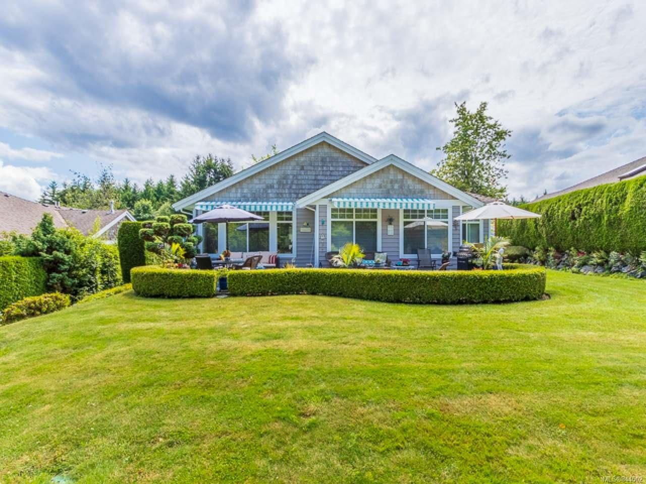 Main Photo: 1213 Saturna Dr in PARKSVILLE: PQ Parksville Row/Townhouse for sale (Parksville/Qualicum)  : MLS®# 844502