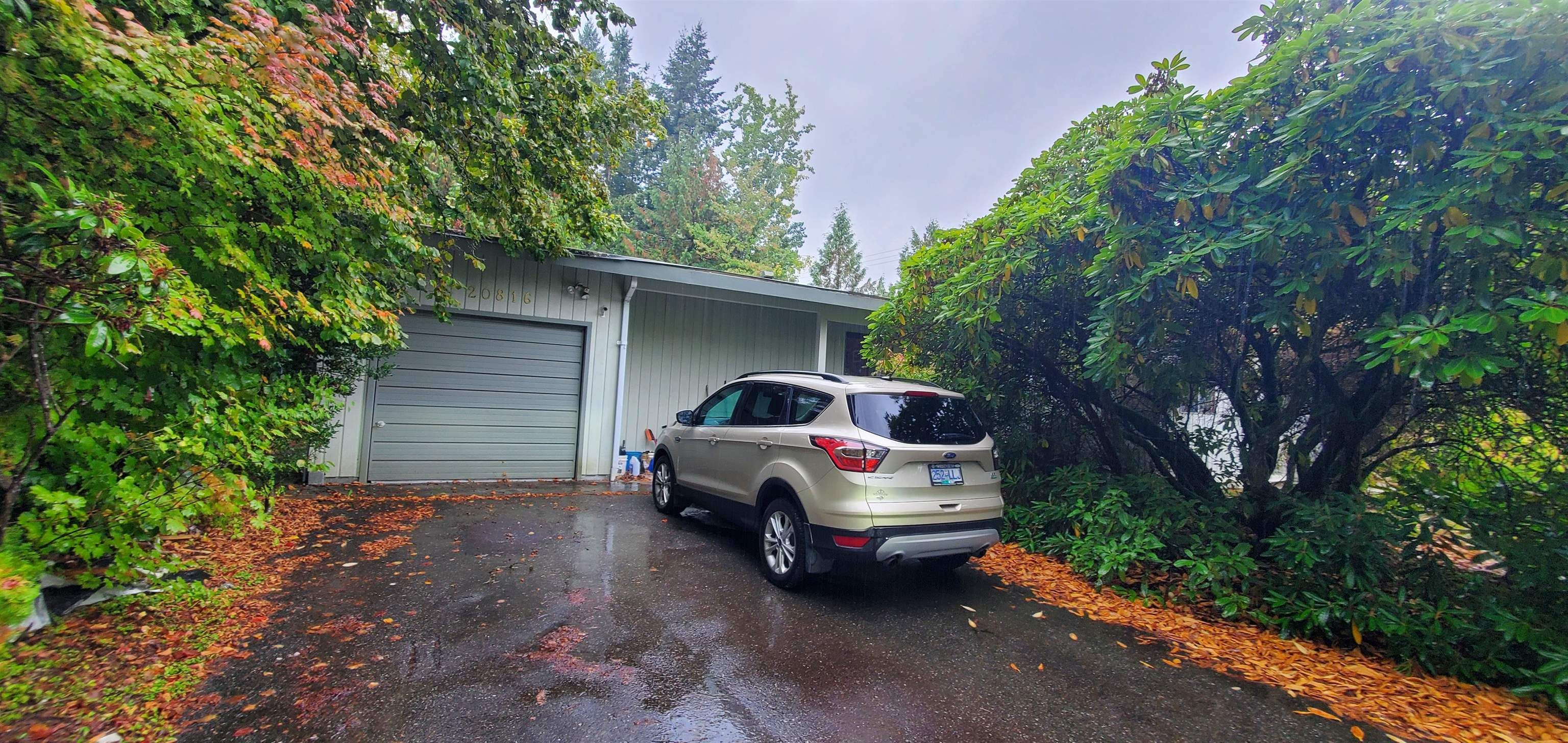 Main Photo: 20816 45A Avenue in Langley: Langley City House for sale : MLS®# R2618365