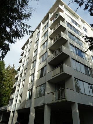 """Main Photo: 204 1785 ESQUIMALT Avenue in West Vancouver: Ambleside Condo for sale in """"THE SHALIMAR"""" : MLS®# R2242847"""