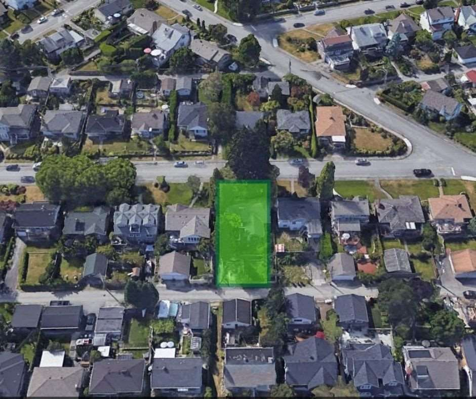Main Photo: 834 CHESTNUT Street in New Westminster: The Heights NW House for sale : MLS®# R2490073