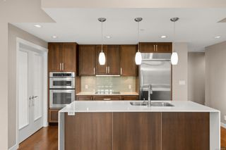 Photo 6: 112 999 Burdett Ave in : Vi Downtown Condo for sale (Victoria)  : MLS®# 859358