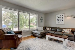 Photo 5: 4715 29 Avenue SW in Calgary: Glenbrook Detached for sale : MLS®# C4302989
