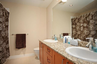 Photo 4: 209 2601 Whiteley Court in North Vancouver: Lynn Valley Condo for sale : MLS®# R2112893