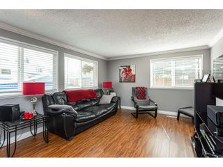 """Photo 3: 19659 36 Avenue in Langley: Brookswood Langley House for sale in """"Brookswood"""" : MLS®# R2496777"""