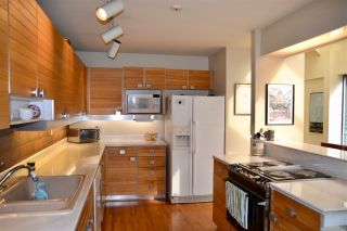 """Photo 9: 406 GREENSBORO Place in Vancouver: South Cambie Townhouse for sale in """"LANGARA ESTATES"""" (Vancouver West)  : MLS®# R2254756"""