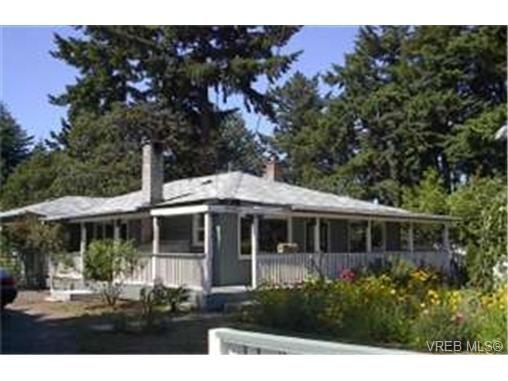 Main Photo: 2860 Peatt Rd in VICTORIA: La Langford Proper House for sale (Langford)  : MLS®# 341758