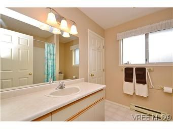 Photo 15: Photos: 3 10045 Fifth St in SIDNEY: Si Sidney North-East Row/Townhouse for sale (Sidney)  : MLS®# 595091