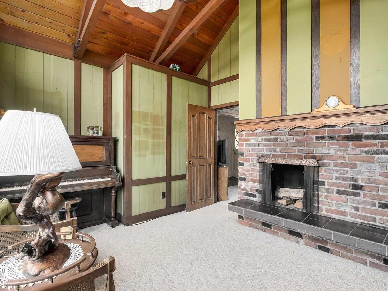 Photo 6: Photos: 1320 REGAN Avenue in Coquitlam: Central Coquitlam House for sale : MLS®# R2147096