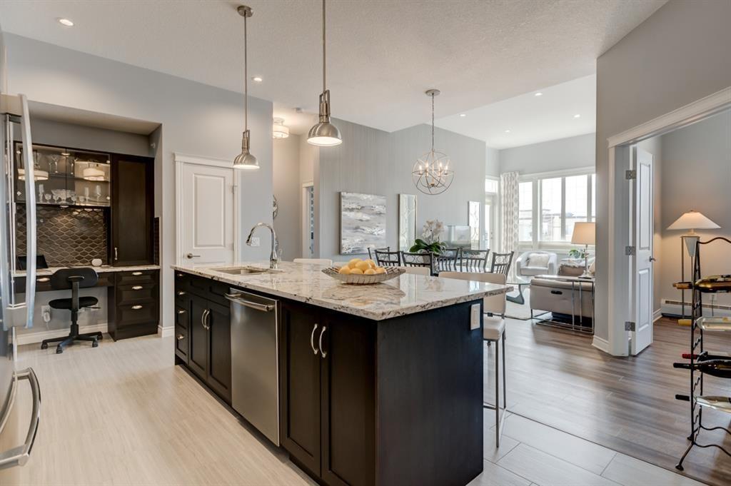 Photo 3: Photos: 312 39 Quarry Gate SE in Calgary: Douglasdale/Glen Apartment for sale : MLS®# A1103022