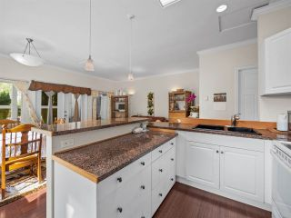 Photo 6: B - 778 CREEKSIDE Crescent in Gibsons: Gibsons & Area 1/2 Duplex for sale (Sunshine Coast)  : MLS®# R2422485