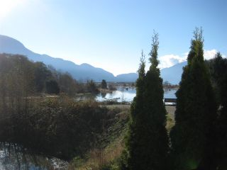 """Photo 1: 7 1204 MAIN Street in Squamish: Downtown SQ Townhouse for sale in """"Aqua"""" : MLS®# R2221576"""