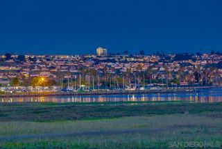 Photo 11: Condo for rent : 2 bedrooms : 3997 Crown Point #33 in San Diego