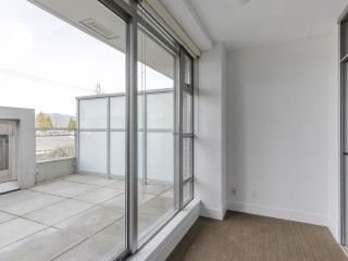 """Photo 13: 204 4375 W 10TH Avenue in Vancouver: Point Grey Condo for sale in """"The Varsity"""" (Vancouver West)  : MLS®# R2552003"""
