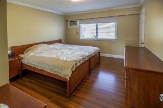 """Photo 10: 5315 IVAR Place in Burnaby: Deer Lake Place House for sale in """"DEER LAKE PLACE"""" (Burnaby South)  : MLS®# R2368666"""