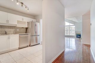 """Photo 7: 302 15272 20 Avenue in Surrey: King George Corridor Condo for sale in """"WINDSOR COURT"""" (South Surrey White Rock)  : MLS®# R2602233"""