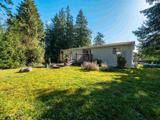 Photo 3: 7735 REDROOFFS Road in Halfmoon Bay: Halfmn Bay Secret Cv Redroofs House for sale (Sunshine Coast)  : MLS®# R2564522