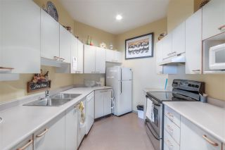 """Photo 36: 807 15111 RUSSELL Avenue: White Rock Condo for sale in """"Pacific Terrace"""" (South Surrey White Rock)  : MLS®# R2481638"""
