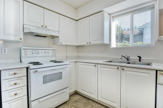 "Photo 4: 103 13939 LAUREL Drive in Surrey: Whalley Condo for sale in ""KING GEORGE MANOR"" (North Surrey)  : MLS®# R2421170"