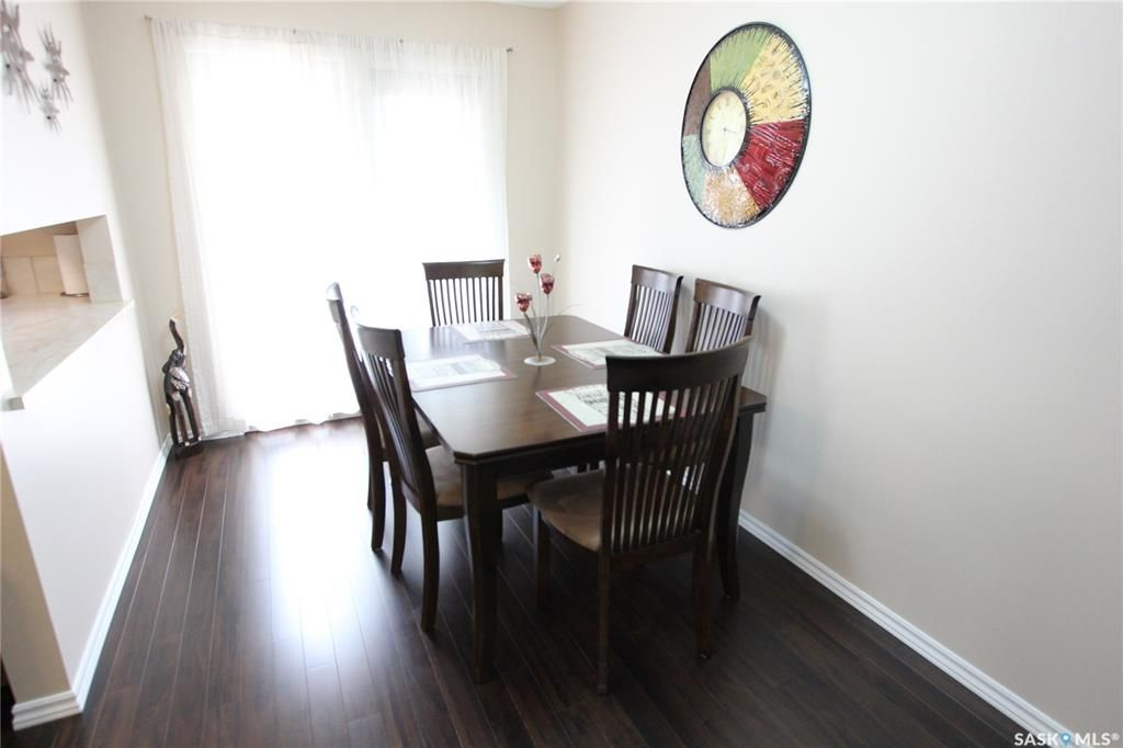 Photo 5: Photos: 1030 Dorothy Street in Regina: Normanview West Residential for sale : MLS®# SK810088