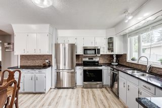 Photo 3: 435 Glamorgan Crescent SW in Calgary: Glamorgan Detached for sale : MLS®# A1145506