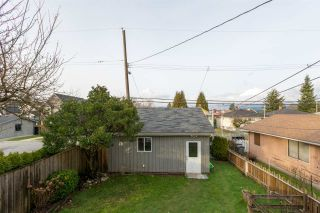 Photo 16: 2203 E 2ND AVENUE in Vancouver: Grandview VE House for sale (Vancouver East)  : MLS®# R2240985