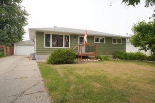 Photo 2: 11 Roe St in Portage la Prairie: House for sale : MLS®# 202120510
