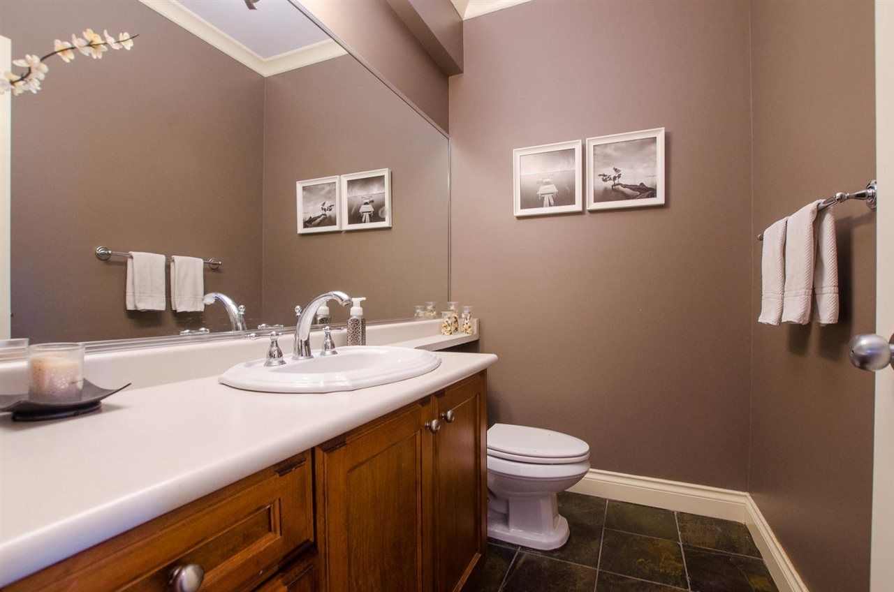 Photo 4: Photos: 4250 ARTHUR Drive in Delta: Delta Manor House for sale (Ladner)  : MLS®# R2239056