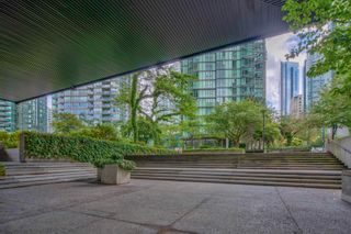 """Photo 18: 413 1333 W GEORGIA Street in Vancouver: Coal Harbour Condo for sale in """"Qube Building"""" (Vancouver West)  : MLS®# R2602829"""