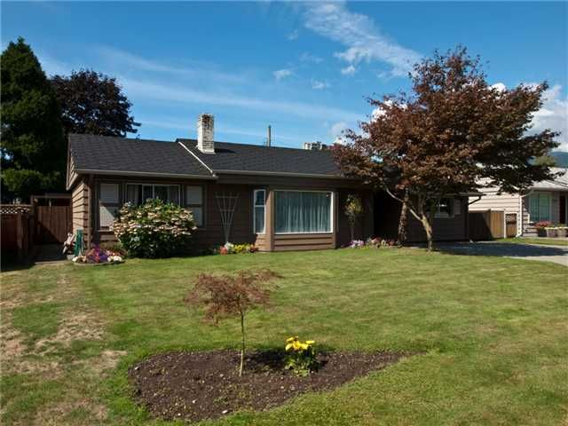 Main Photo: 1391 WHITEWOOD PL in North Vancouver: Norgate House for sale : MLS®# V848028