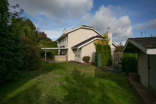 Photo 19: 15730 89A Avenue in Surrey: Fleetwood Tynehead House for sale : MLS®# R2329099