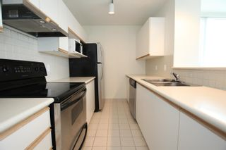 """Photo 30: 802 2121 W 38TH Avenue in Vancouver: Kerrisdale Condo for sale in """"ASHLEIGH COURT"""" (Vancouver West)  : MLS®# R2623067"""