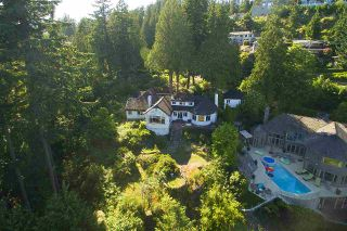 Photo 1: 4670 PICCADILLY SOUTH Road in West Vancouver: Olde Caulfeild House for sale : MLS®# R2185286