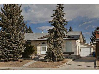 Photo 1: 724 LYSANDER Drive SE in Calgary: Lynnwood_Riverglen House for sale : MLS®# C3656384